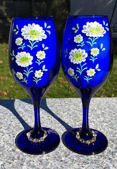 Blue Wine Glasses Hand Painted White Flowers Daisies and Beaded Wine Glass Charms Set of Mothers Day Gift, Wine Lover, Gifts For Her Blue Wine Glasses, Painted Wine Glasses, Christmas Glasses, Holiday Candy, Gifts For Wine Lovers, Wine Glass Charms, Beautiful Gifts, Glass Art, White Flowers