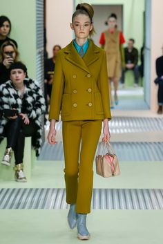 Prada - Fall 2015 Ready-to-Wear - Look 1 of 42