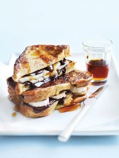 Chocolate Banana French Toast // Mothers Day Recipes by Donna Hay Sweet Breakfast, Breakfast Recipes, Dessert Recipes, Banana Breakfast, Brunch Recipes, Scones, Granola, French Toast Ingredients, Donna Hay Recipes