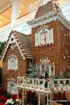 Gingerbread house at the Grand Floridian...plus take a piece home