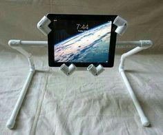 Soporte tablet con caños de pvc