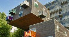 Et liv på kanten. Både i Amsterdam og Rotterdam sker der meget på arkitekturfronten i disse år.