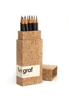 Designed by Mario Jorge Lemos. Packaging and brand identity for graphite pencils using cork. Cool Packaging, Food Packaging Design, Brand Packaging, Product Packaging, Cork, Art Graf, Green Label, Eco Design, Design Hotel