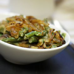 Clean Green Bean Casserole (Vegan, Paleo) (via Detoxinista) Clean Recipes, Paleo Recipes, Real Food Recipes, Cooking Recipes, Paleo Green Beans, Creamy Green Beans, Healthy Green Bean Casserole, Homemade Green Bean Casserole, Vegan Casserole