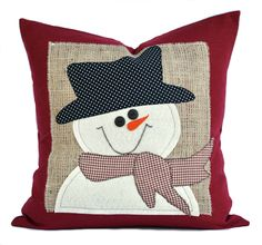 Snowman Christmas Pillow cover, holiday pillow, decorative pillow, cushion, Christmas decoration by ThatDutchGirlHome on Etsy Christmas Sewing, Felt Christmas, Christmas Snowman, Christmas Projects, Christmas Trees, Merry Christmas, Christmas Cushions, Christmas Pillow Covers, Christmas Cover