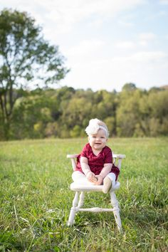 feather + light photography | one year old birthday | cake smash | field | baby girl