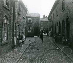Liverpool, streets, liverpool-streets-l5-the-barracks-everton-terrace-rupert-lane-everton