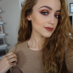 22 Awe Inspiring Fall Makeup Looks Make Up Fall Makeup Makeup Trends, Makeup Inspo, Makeup Inspiration, Makeup Tips, Makeup Goals, Beauty Make-up, Beauty Hacks, Hair Beauty, Beauty News