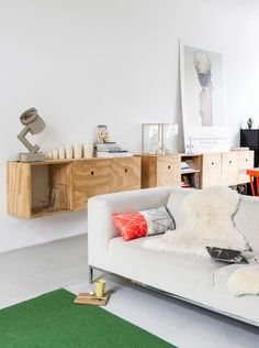 Modern and industrial living room in a former warehouse   Styling Inge van Lieshout/ insidehomepage.com   Photographer Louis Lemaire   vtwonen July 2015