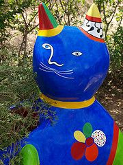 the blue cat (mararie) Tags: italy art tarot toscana bluecat nikidesaintphalle tarotgarden giardinodeitarocchi thetarotgarden ilgiardinodeitarocchi