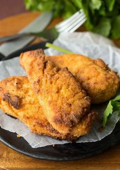 The best oven fried chicken -- with tons of KFC flavor and less of the grease! SO much healthier! Omit the tsp salt and replace with a tsp of a season salt/granulated lemon mix. Baked Fried Chicken, Fried Chicken Recipes, Meat Recipes, Cooking Recipes, Copycat Recipes, Recipies, Jama, Best Oven, Fries In The Oven