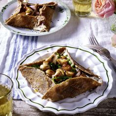 Galettes bretonnes – Bretonische Buchweizenpfannkuchen mit Gemüse Rezept | LECKER
