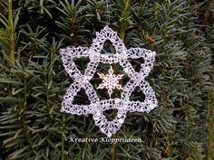 Weihnachtsdeko - Handgeklöppelter Stern aus Paillettengarn silber - ein Designerstück von Kreative-Kloeppelideen bei DaWanda