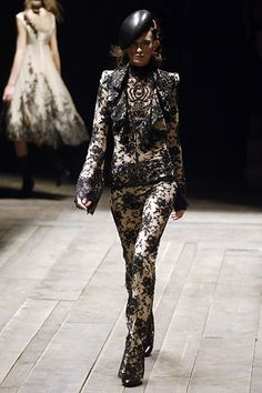 AW Ready-To-Wear 2006: Alexander McQueen