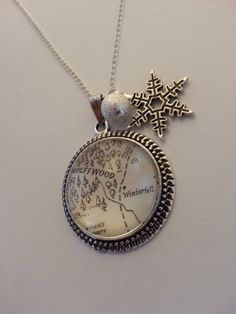 Game of Thrones Necklace Winterfell Map.  House Sark.  Game of Thrones Jewelry by GlamorousGlueDesigns, $15.50