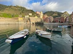 """""""The joy of Italy often consists of doing ordinary things in extraordinary settings"""" Erica Jong Pubblicato da Hotel, Cinque Terre, Geo, Italy, Earth, World, Travel, Instagram, The World"""