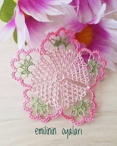 Crochet Hexagon For Blouses crochet patterns projects clothes free Crochet Squares, Crochet Motif, Crochet Doilies, Crochet Flowers, Embroidery Patterns, Hand Embroidery, Knitting Patterns, Crochet Patterns, Crochet Projects
