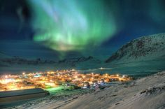 Aurora Borealis. From Pangnirtung Nunavut by MichaelDavies