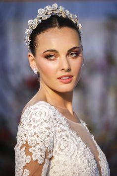 Best of Bridal Market: Anne Barge Wedding Dress Collection Spring 2017 | Bridal Musings Wedding Blog