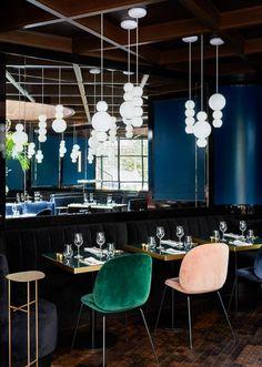 Dans la salle à manger du Roch Restaurant / Maison Lavoine © Francis Amiand