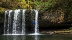 Portland- Rappelling in the Cascade Mountains