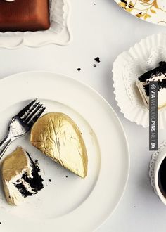 Love this! - 24 karat gold luster dust cakes | CHECK OUT MORE IDEAS AT WEDDINGPINS.NET | #weddings #formal #formalwedding #events #forweddings #iloveformals #romance #beauty #planners #blacktie