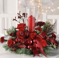 35 Simple Beautiful Christmas Centerpieces Ideas That Every People Could Make Itself – GooDSGN Christmas Flower Arrangements, Christmas Table Centerpieces, Christmas Flowers, Christmas Party Decorations, Christmas Tablescapes, Christmas Candles, Christmas Time, Floral Arrangements, Christmas Wreaths