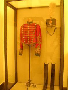 Vitrina Palacio de Aranjuez. Uniforme de Húsares de Pavia. Uniforme de Alfonso XIII