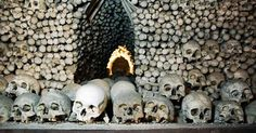 Top 7 most haunted places in the world - IBuzzScoop Giant Skeleton, Most Haunted Places, Best Sites, Me On A Map, The Help, Fun Facts, Creepy, Earth, Skeletons