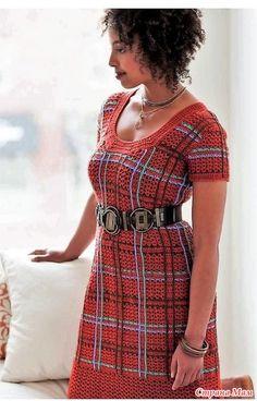 Это элегантное платье связано в шотландском стиле. Оно смотрится очень оригинально а вяжется просто и легко.