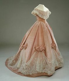 Ball gown | 1865 | pink sidenmoiré (moire antique) w/ garnish of white lace on machine-woven tulle (application de bruxelles) & white silk tulle | Hallwylska Museum