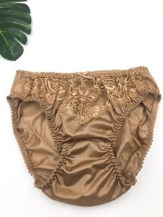Katrina Kaif Bikini, Beautiful Girl Indian, Boho Shorts, Blond, 1980s, Underwear, Slip On, Lingerie, Silk