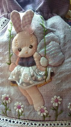 Purse Patterns, Applique Patterns, Easter Crafts, Felt Crafts, Applique Tutorial, Embroidery Bags, Doll Quilt, Funny Bunnies, Argos