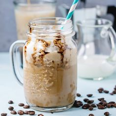 A DIY Starbucks' White Chocolate Mocha Frappuccino will not only save you money, but you can put your own healthy twist on the recipe! Coffee Milkshake, Coffee Drinks, Iced Coffee, Tea Drinks, Cocktails, Biscotti, Starbucks White Chocolate Mocha, Hot Chocolate, Mocha Frappuccino