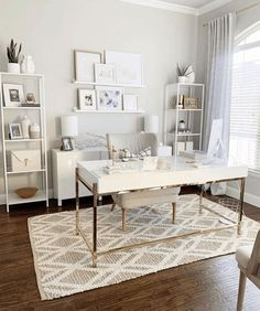 Look no further than these feminine desks. Sharing the entire home office look, with a pretty feminine desk that doesn't come off as cheap! Mesa Home Office, Cozy Home Office, Home Office Setup, Home Office Organization, Home Office Desks, Ikea Office, Office Inspo, Office Style, Office Ideas For Home
