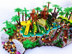 Lego Legends Of Chima Waterpark Crocodile Hideout made from real legos!