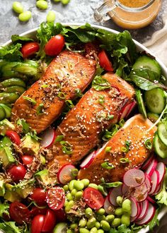 A mighty Salmon Salad that's as good for you as it is delicious! Avocado, adish, tomato, cucumber, crisp lettuce and an Asian Ginger Sesame Dressing. Salmon Salad Dressing, Salad Dressing Recipes, Salad Dressings, Asian Dressing, Salmon Salad Recipes, Healthy Salad Recipes, Healthy Dinners, Mediterranean Salad Recipe, Seafood Recipes