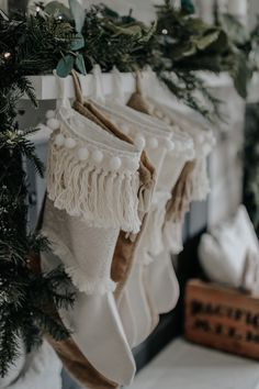 Holiday Modern Farmhouse Walk Through . How I styled our modern farmhouse for Ch… Advertisements Holiday Modern Farmhouse Walk Through . How I styled our modern farmhouse for Christmas, it doesn't have to be expensive. Bohemian Christmas, Natural Christmas, Noel Christmas, Winter Christmas, Christmas Stockings, Xmas, Christmas Ideas, Hygge Christmas, Christmas Tables