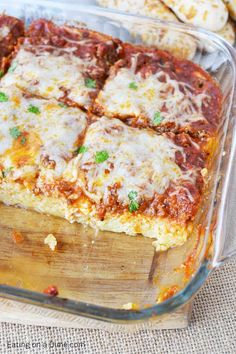 Easy Baked Spaghetti Pie Recipe is simple to prepare and delicious. Baked spaghetti pie is freezer friendly. Easy Spaghetti Pie Casserole can feed a crowd! Easy Pie Recipes, Easy Casserole Recipes, Gourmet Recipes, Beef Recipes, Cooking Recipes, Healthy Recipes, Vegetarian Cooking, Pasta Recipes, Vegetarian Barbecue