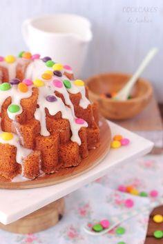 Cookcakes de Ainhoa: BUNDT CAKE DE VAINILLA Y NATA CON SKITTLES