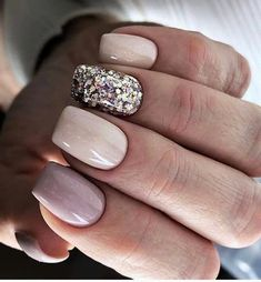 Want some ideas for wedding nail polish designs? This article is a collection of our favorite nail polish designs for your special day. Classy Nails, Stylish Nails, Cute Nails, Pretty Nails, Square Acrylic Nails, Oval Nails, Pink Nails, Nail Shapes Square, Square Nail Designs