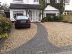 45 Inspiring Paving Stone Driveway Your Home Look Beautiful Pebble Driveway, Driveway Edging, Diy Driveway, Stone Driveway, Gravel Driveway, Driveway Landscaping, Cheap Driveway Ideas, Landscaping Ideas, Front Driveway Ideas