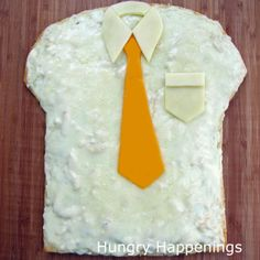 Celebrate Father's Day by baking a homemade pizza for your hardworking dad. Yes, this shirt and tie is a pizza! | HungryHappenings.com
