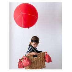 DIY Halloween Costume: Hot Air Balloon - OMG doing this! Yes I still dress up for Halloween...