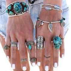 Do you like wear a lot of jewelry?  Play dress up games on ubieranki.eu! http://www.ubieranki.eu/