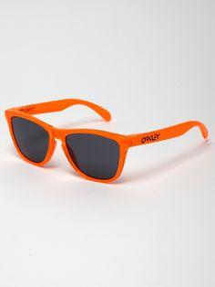 Get outdoors with a pair of sunglasses in hand. Shop Oakley full collection #Oakley #sunglasses #fashion