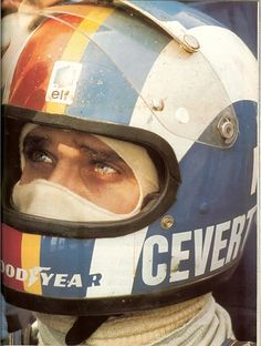 Francois cevert - Film star good looks, a tragic hero Racing Helmets, F1 Racing, Vintage Helmet, Vintage Racing, Formula 1, Sport Cars, Race Cars, F1 Drivers, Car Painting