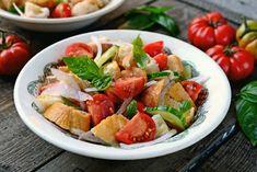Így készül az olasz klasszikus, a panzanella Bread Salad, Paleo Whole 30, Fabulous Foods, Vegan Dishes, Healthy Fats, Pasta Salad, Great Recipes, Salad Recipes, Veggies