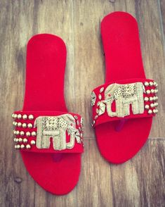 11 Ideas For Comfortable Bridal Shoes Which Are Not High Heels! Bridal Sandals, Bridal Bangles, Boho Sandals, Bridal Clutch, Stylish Sandals, Bridal Jewellery, Jewelry, Comfortable Bridal Shoes, Indian Shoes