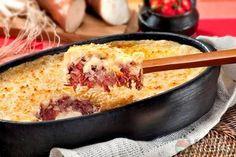 Receita de Escondidinho de carne seca e mandioca especial em receitas de salgados, veja essa e outras receitas aqui!